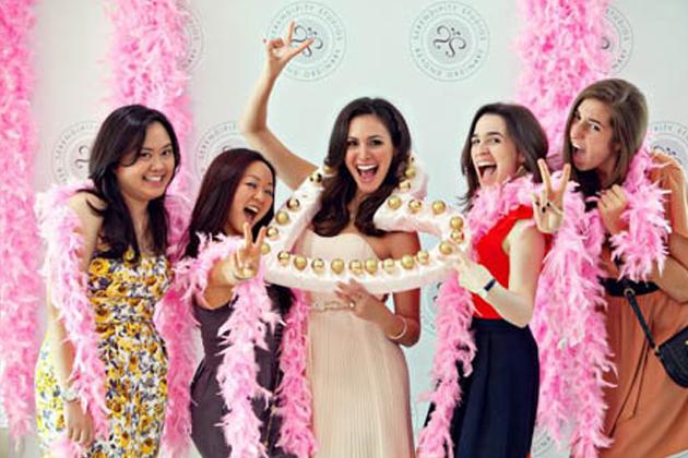vjencanje-emilija-devojacko-vece-mladenci-svadbe-organizacija-agencija-vencanica-torte-kolaci-povoljno